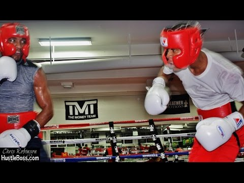 Floyd Mayweather Sr. oversees sparring between upcoming Devin Haney and prospect Angel Rodriguez